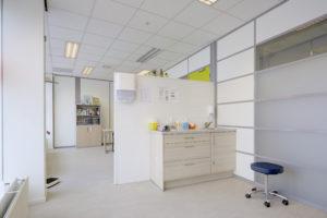 De behandelkamer van besnijdenis kliniek Amsterdam